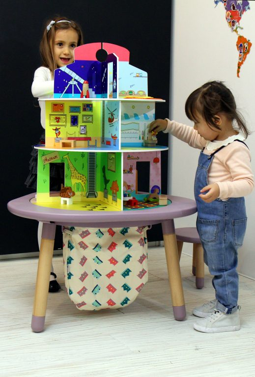 MUtable Dolls playhouse