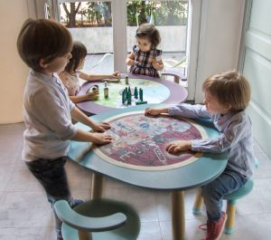 MUtable round puzzle and natural landscape with kids
